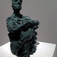 """Giudice"" (Judge), ceramica smaltata (glazed ceramic), 2018, 31,5x14x17,5cm"